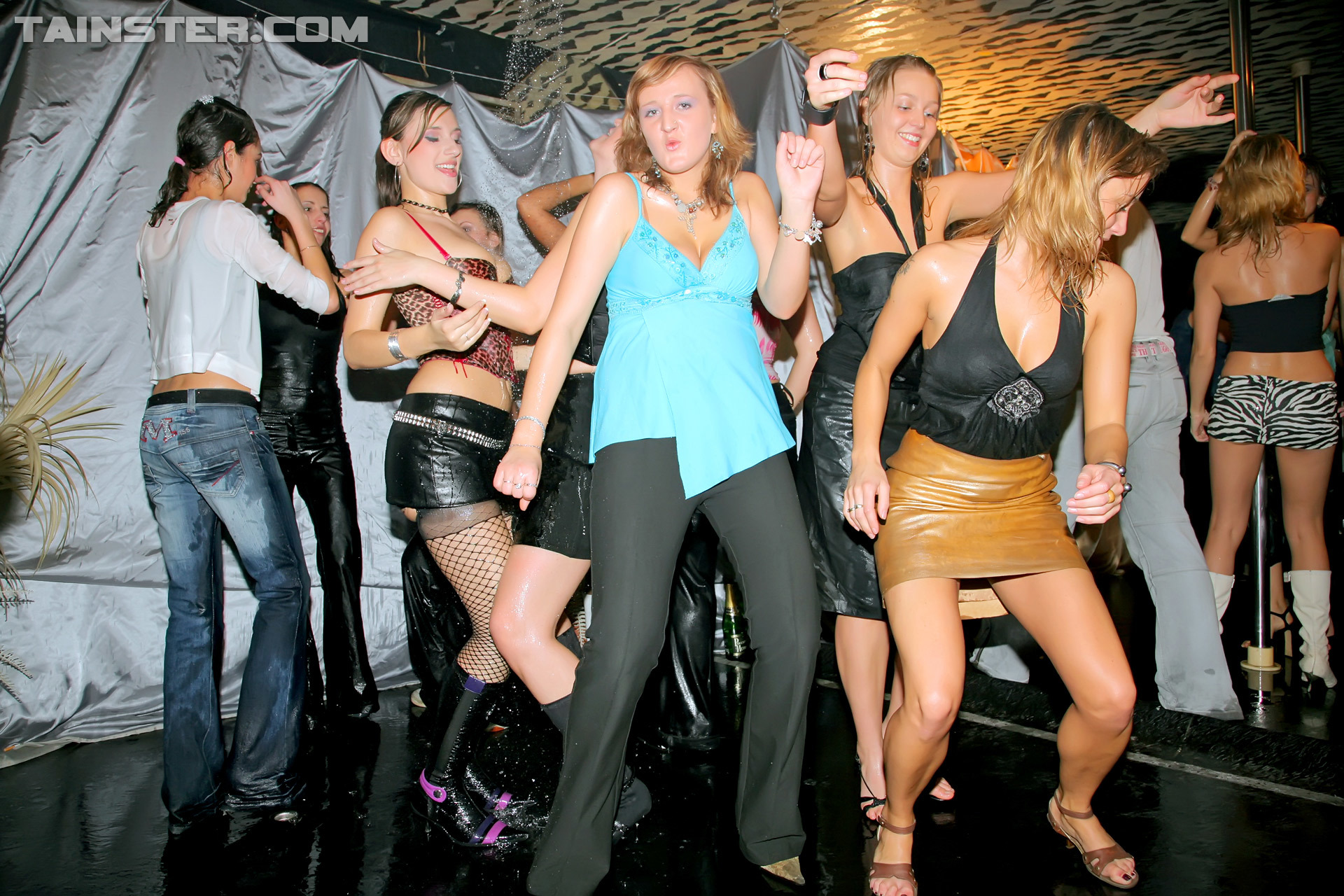 2Cam Porn lesbian monster fucking bash part 2 – cam 1 – x private club